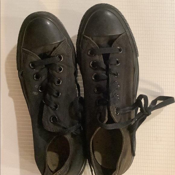 Beat/bleach converse size 5
